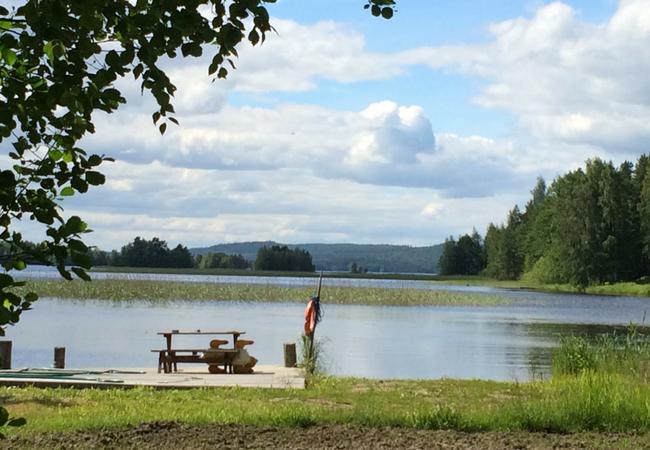 Aholanraitin-vuokramökit-uimaranta-laituri